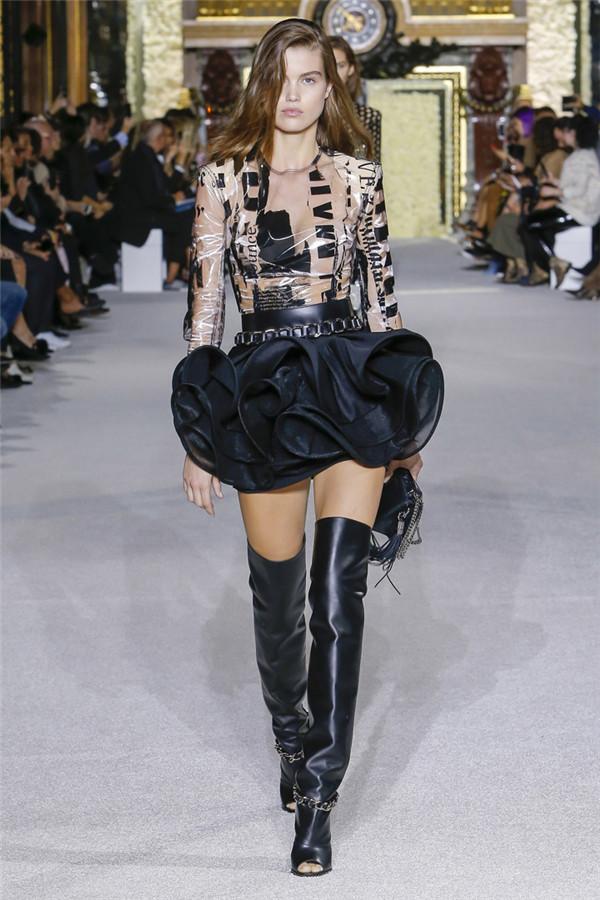 狂野霸气 法国时尚品牌Balmain 2018春夏时装秀