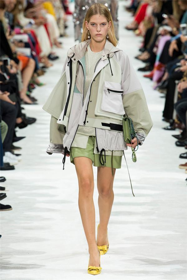 自由狂想 意大利奢侈品牌Valentino2018春夏时装秀