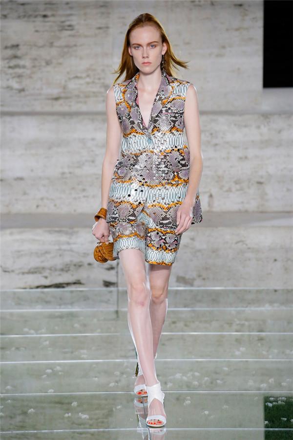 优雅蟒纹 Salvatore Ferragamo2018春夏系列时装秀