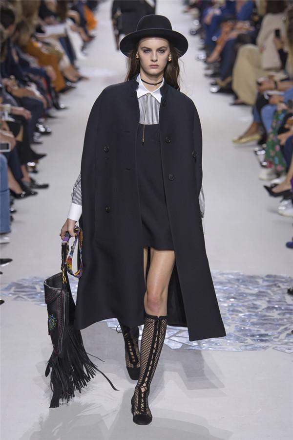 法国奢侈品牌Christian Dior 2018春夏系列时装秀