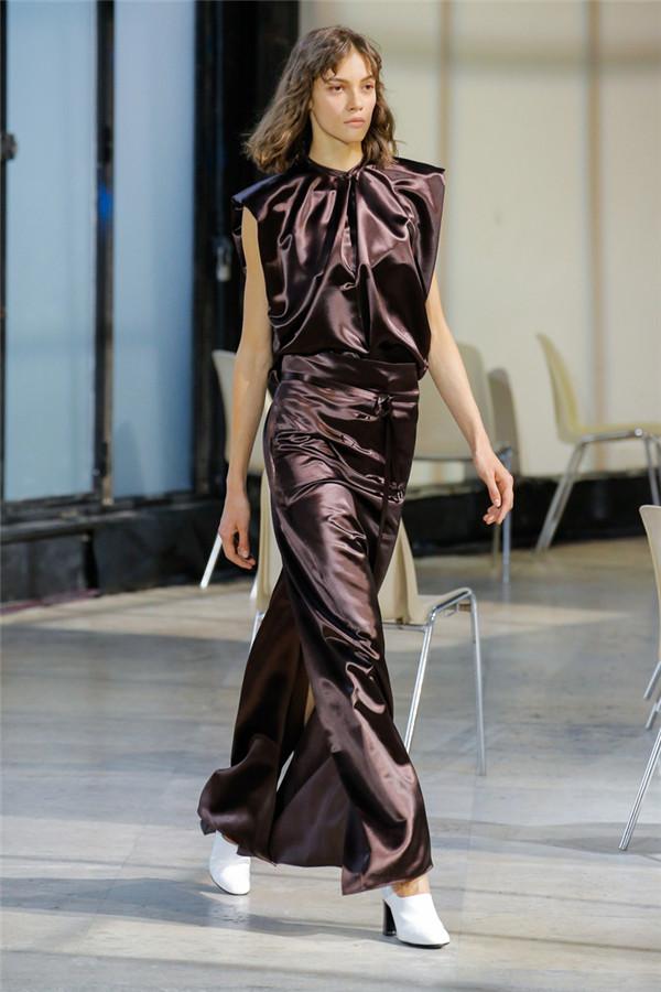 法国设计师品牌Lemaire 2018春夏系列时装秀