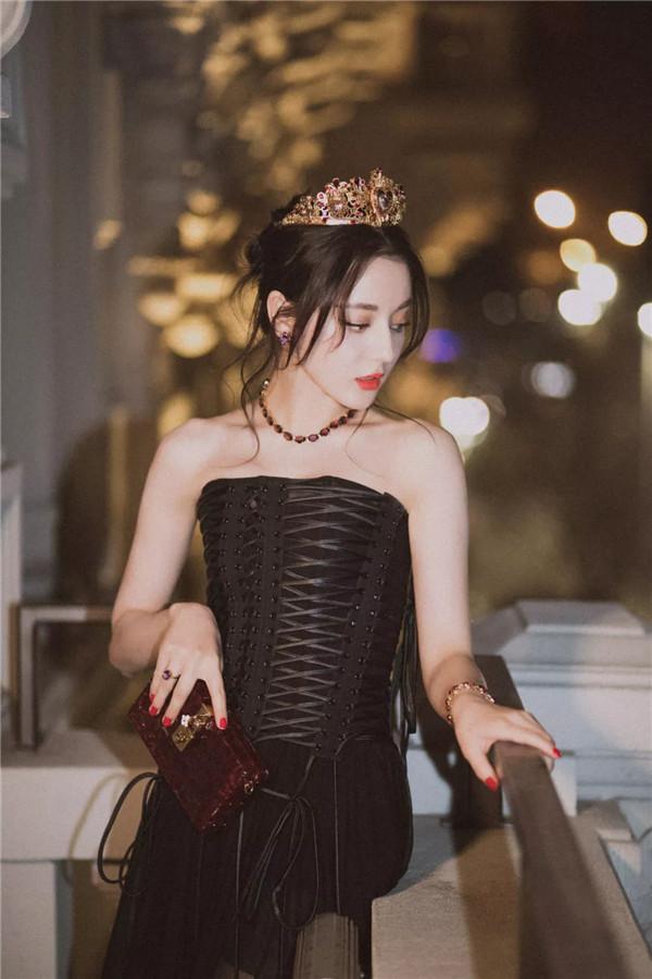 Dolce&Gabbana 2018秋冬米兰女装秀(图3)