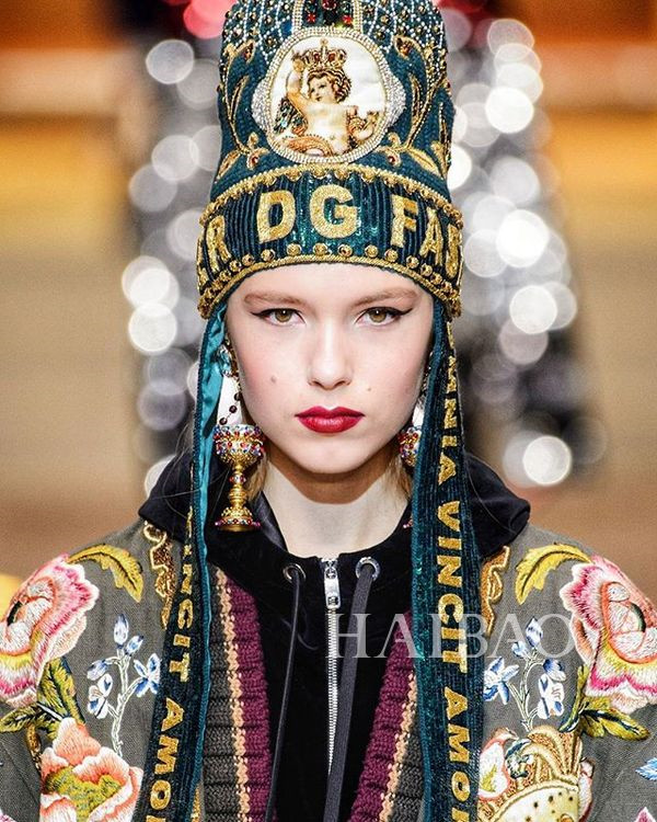 Dolce&Gabbana 2018秋冬米兰女装秀(图16)