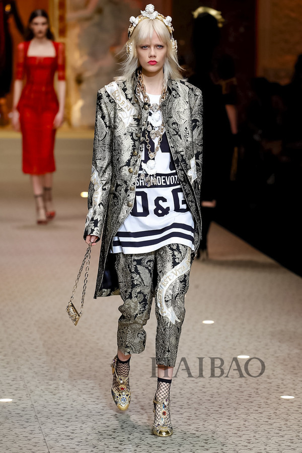 Dolce&Gabbana 2018秋冬米兰女装秀(图23)