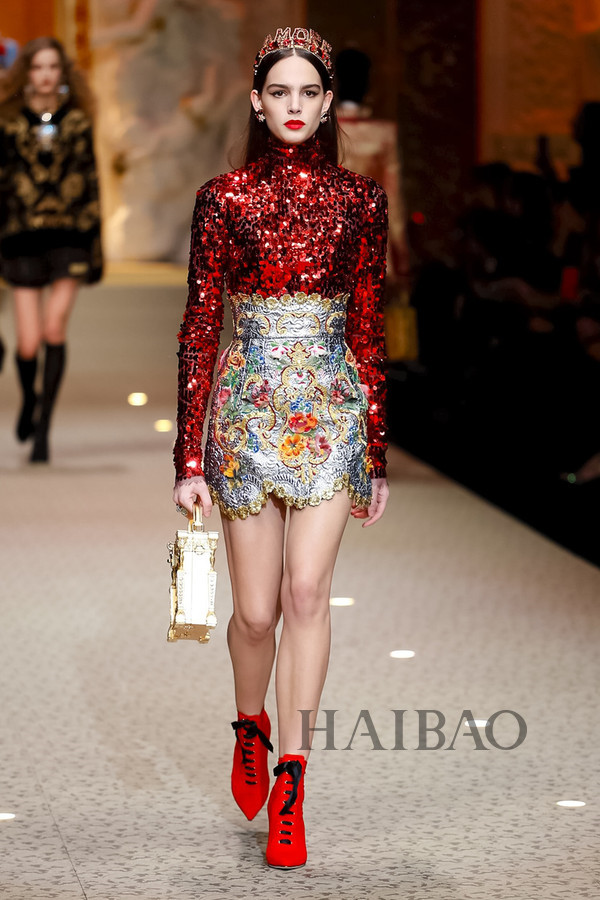Dolce&Gabbana 2018秋冬米兰女装秀(图25)