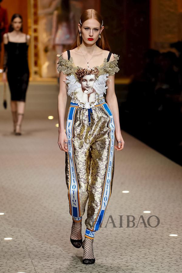 Dolce&Gabbana 2018秋冬米兰女装秀(图28)