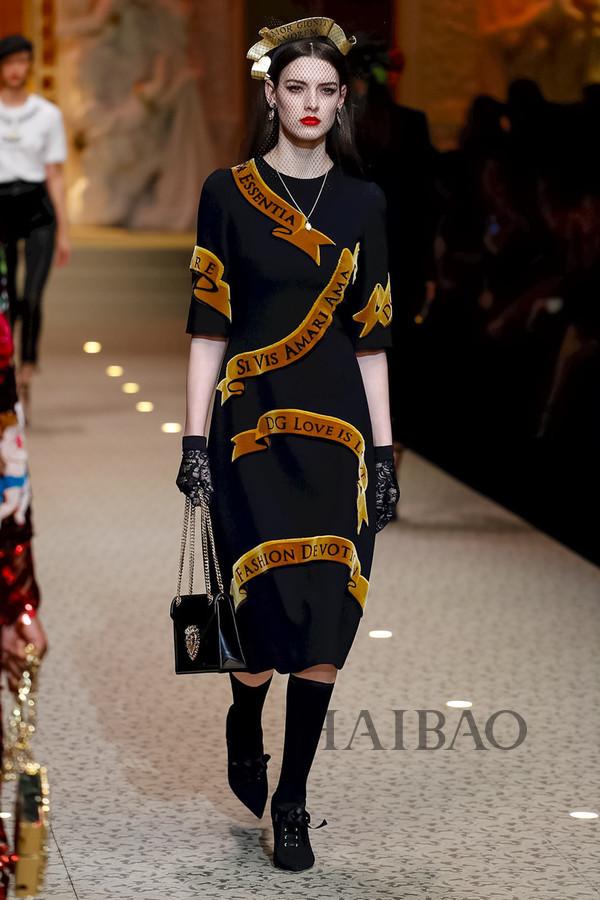 Dolce&Gabbana 2018秋冬米兰女装秀(图29)
