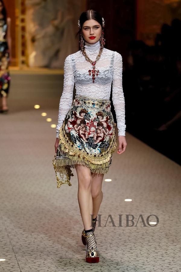 Dolce&Gabbana 2018秋冬米兰女装秀(图65)