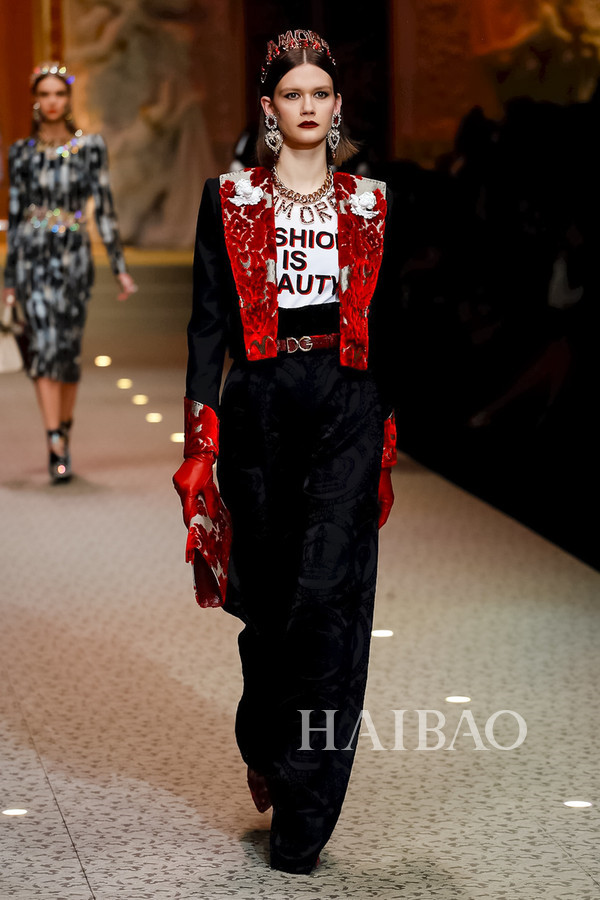 Dolce&Gabbana 2018秋冬米兰女装秀(图73)