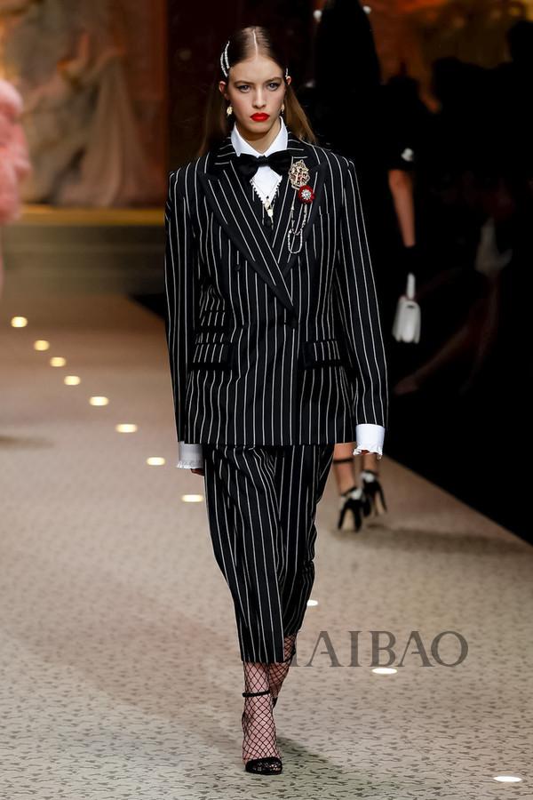 Dolce&Gabbana 2018秋冬米兰女装秀(图79)