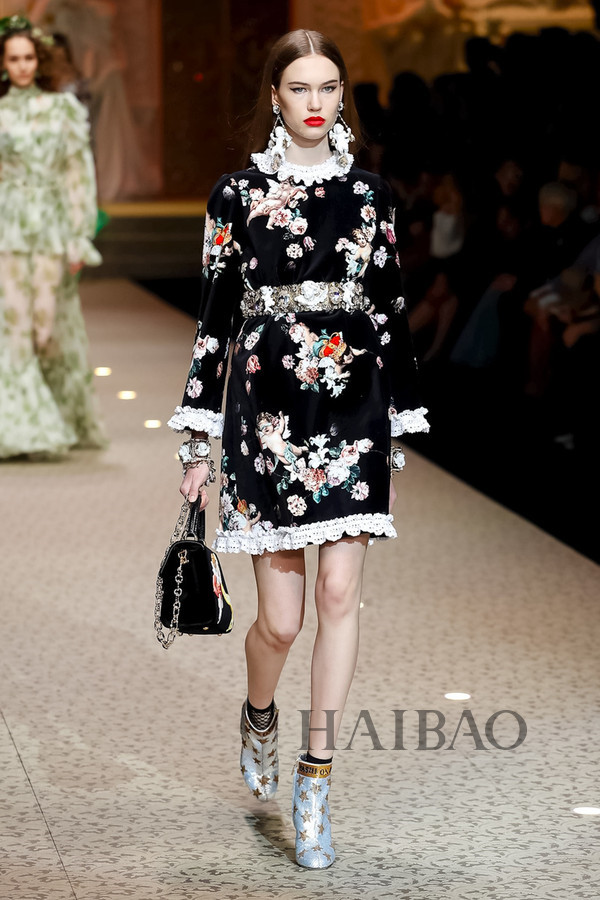 Dolce&Gabbana 2018秋冬米兰女装秀(图93)