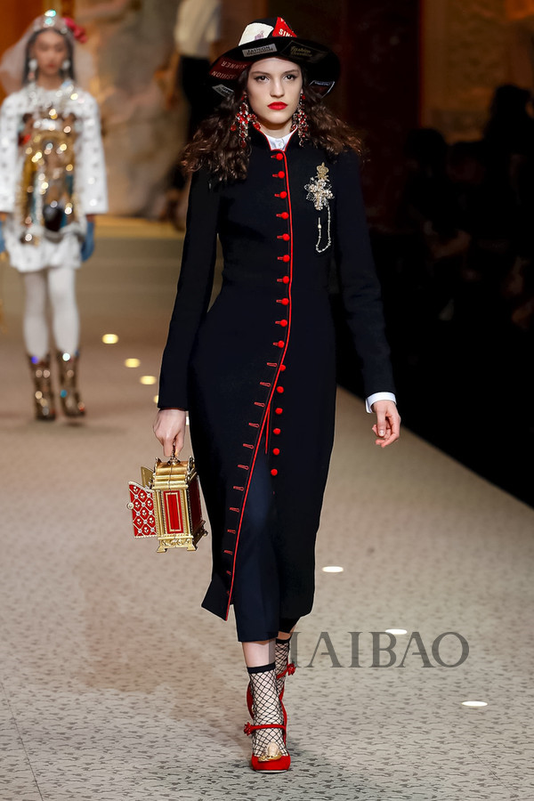 Dolce&Gabbana 2018秋冬米兰女装秀(图95)