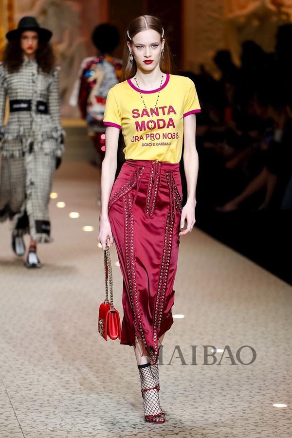 Dolce&Gabbana 2018秋冬米兰女装秀(图100)