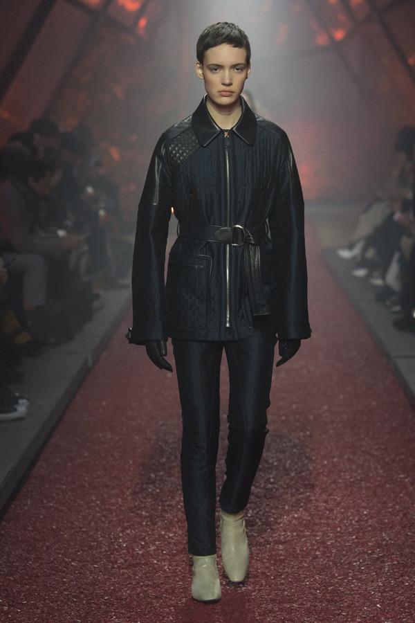 """Hermès 2018秋冬系列时装秀 邂逅一场""""血色浪漫"""""""