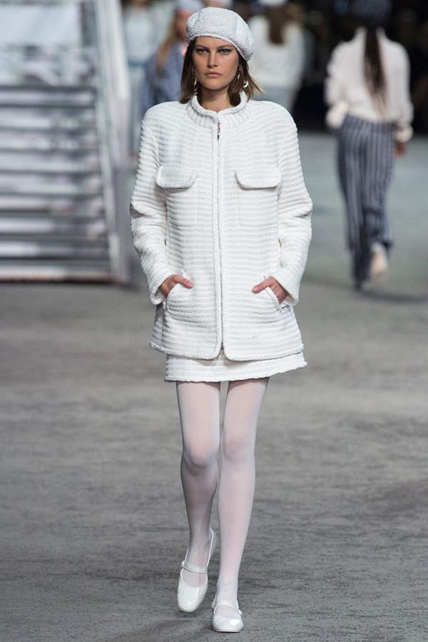 Chanel 2019早春度假系列 老佛爷在巴黎大皇宫造了一艘邮轮!