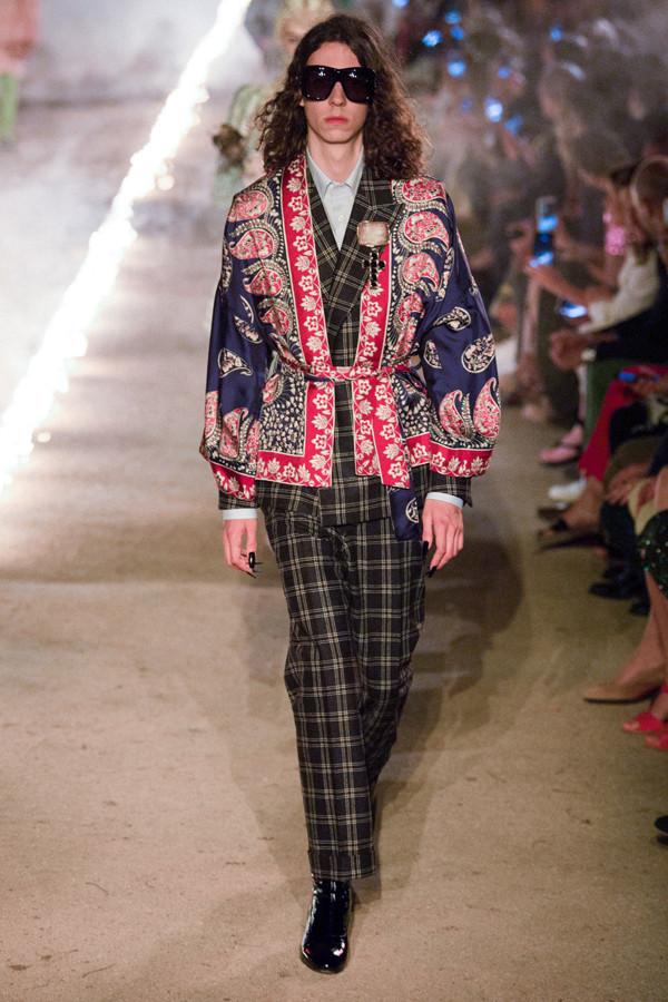 Gucci 2019早春时装秀:上演一场古墓丽影奇幻之旅